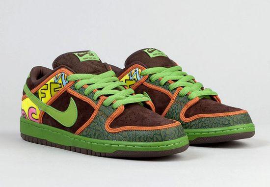 Nike-sb-dunk-low-premium-quickstrike-shoes-de-la-soul-2