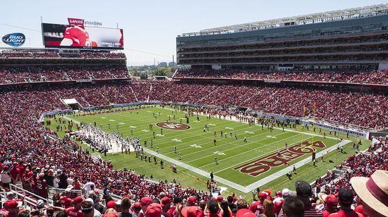 Broncos_vs_49ers_preseason_game_at_Levi's_Stadium